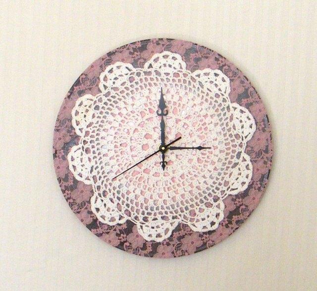Lace clock
